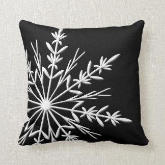 Coussin Flocon de neige blanc sur le noir