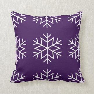 Coussin Flocons de neige de Noël sur le carreau pourpre