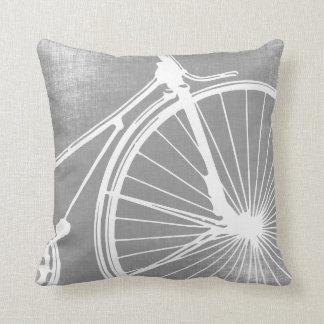 Coussin gris et blanc de bicyclette