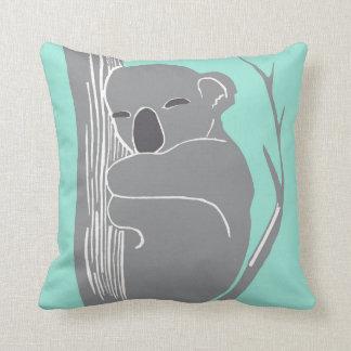 Coussin gris et en bon état de koala de sommeil