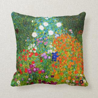 """Coussin Gustav Klimt , """" Farmhouse garden """""""