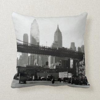 Coussin Horizon vintage de New York City et pont de