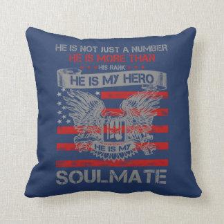 Coussin Il est mon Soulmate de héros
