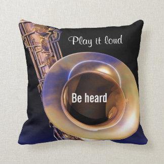 Coussin Jouez-le carreau bruyant de musique de saxophone