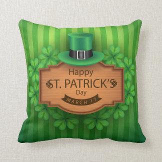 Coussin Le jour de St Patrick - casquette et trèfles