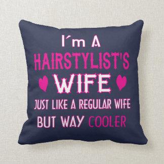 Coussin L'épouse du styliste en coiffure
