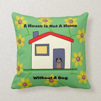 Coussin Les amoureux de les chiens logent n'est pas un