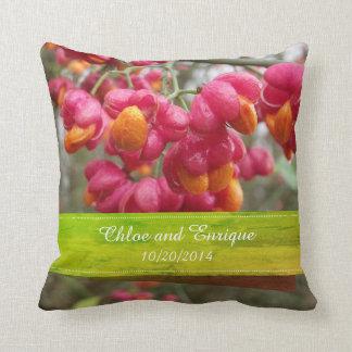 Coussin Mariage personnalisé par fleurs roses de fruit