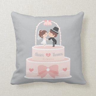 Coussin mignon de gâteau de mariage de rose de