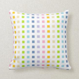 Coussin Mini carrés en pastel d'arc-en-ciel