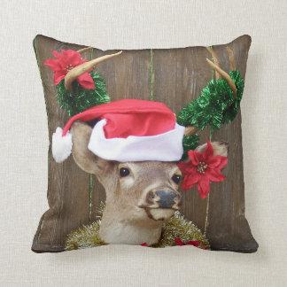 Coussin Noël drôle de cerfs communs de mâle de Whitetail