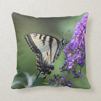 Coussin Papillon oriental de machaon de tigre