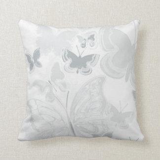 Coussin Papillons gris gris pilotant l'aquarelle de