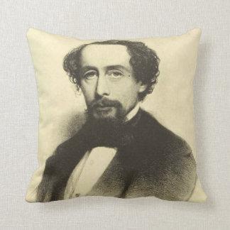 Coussin Portrait vintage de Charles Dickens