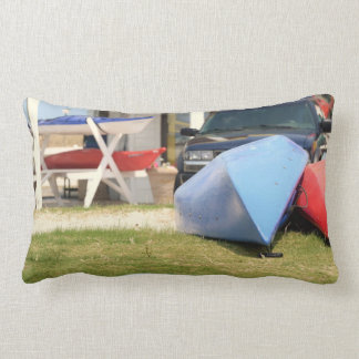 Coussin Rectangle Canoës et kayaks par Shirley Taylor