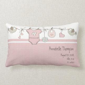 Coussin Rectangle Le bébé rose mignon vêtx   personnalisé