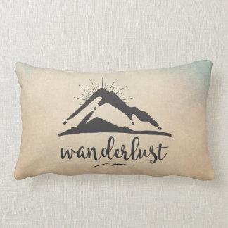 Coussin Rectangle Montagne avec des Sunrays - typographie d'envie de