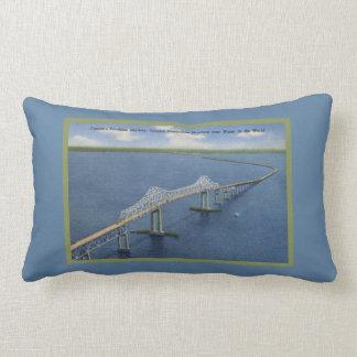 Coussin Rectangle Rétro pont bleu de Skyway de soleil de la Floride