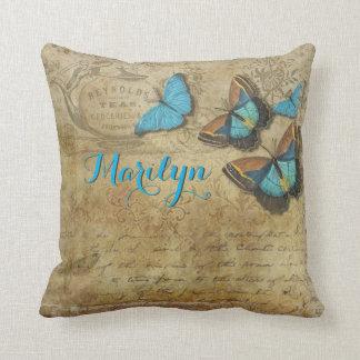 Coussin Rétro lettre victorienne de beaux papillons bleus