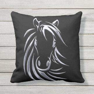Coussin Tête de cheval argentée