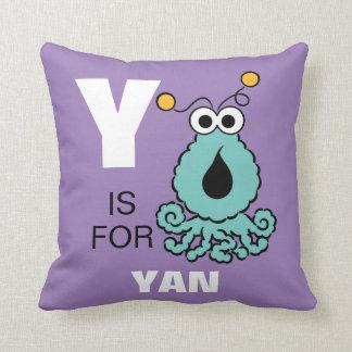 Coussin Y est pour Yip-Yips | ajoutent votre nom