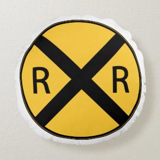Coussins Ronds Croisement de route de chemin de fer de panneau