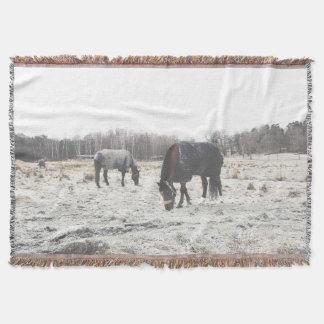 Couverture avec effilocher «Swedish Horses»