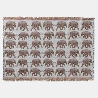 Couverture de jet de frénésie d'éléphant de bébé