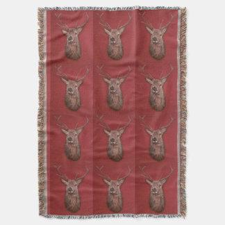 Couverture de jet de mâle de cerfs communs rouges