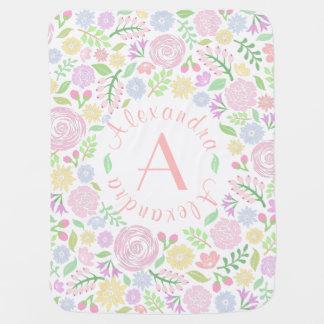 Couverture en pastel de bébé de monogramme floral couvertures de bébé