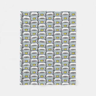 Couverture pâle d'ouatine de convoi de voiture de