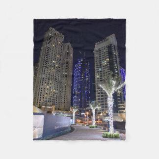Couverture Polaire Architecture de Dubaï la nuit