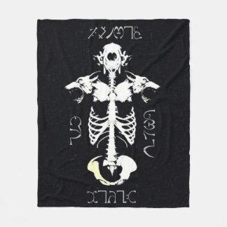 Couverture Polaire Art grunge tribal de loup-garou de crâne de Skully