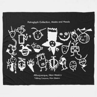 Couverture Polaire Collection, masques et têtes de pétroglyphe