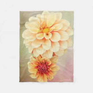 Couverture Polaire Fleurs de dahlia dans des tonalités chaudes