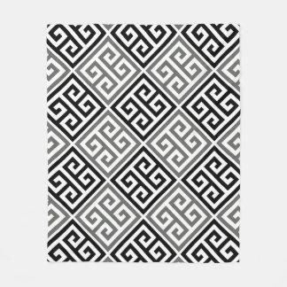 Couverture Polaire Motif principal grec gris et noir