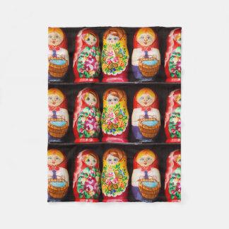 Couverture Polaire Poupées colorées de Matryoshka