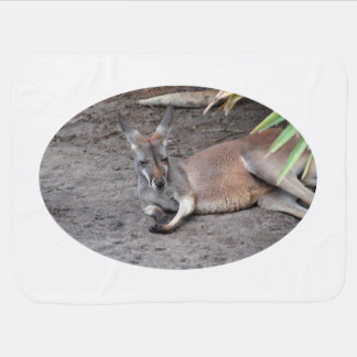 Couverture Pour Bébé le kangourou se couchant observe l'animal fermé