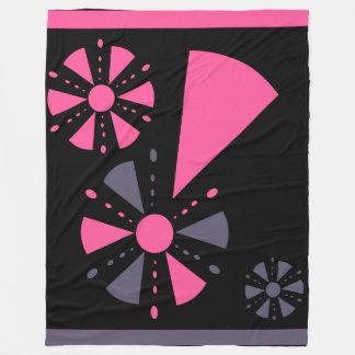 Couverture rose et grise