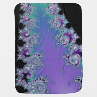 Couvertures Pour Bébé Fractale violette de noir d'Aqua