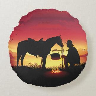 Cowboy et cheval au coussin rond de coucher du