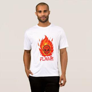 Crâne avec la flamme autour de elle t-shirt