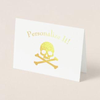 Crâne personnalisé et os croisés de feuille d'or carte dorée