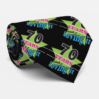 Cravate 70 années et l'aimer soixante-dixième anniversaire