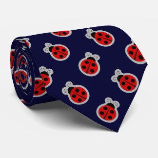 Cravate Arrière - plan foncé de bleu marine de coccinelle