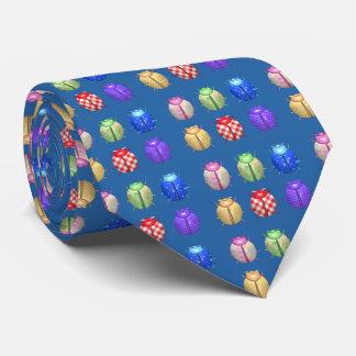 Cravate Coccinelles avec l'arrière - plan floral et bleu