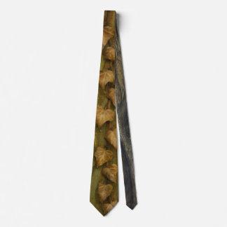 Cravate de feuille de chute pour lui