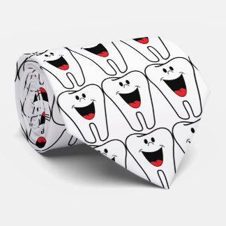 Cravate dent de sourire pour le dentiste