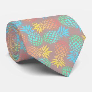 Cravate motif coloré tropical d'ananas d'été élégant