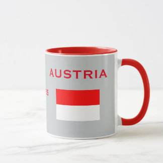 Crête de Vienne Autriche et tasse de drapeau